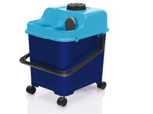 nuevo equipo de fregado con agua limpia