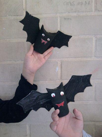 Manualidades para Halloween con papel higiénico: