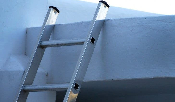 Cómo utilizar una escalera de aluminio